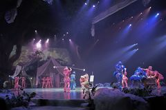Tarzan: Appell av djungelshowen på Shanghai Disneyland royaltyfria foton