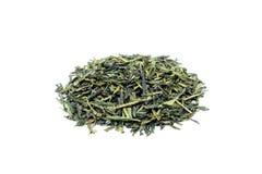 Tas de thé vert lâche Sencha photo libre de droits