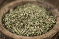 Tas des feuilles sèches de Stevia Images stock