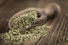 Tas des feuilles sèches de Stevia Photo libre de droits