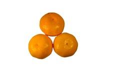 Tas des mandarines d'isolement sur le fond blanc Image libre de droits
