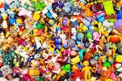 Tas des petits jouets images stock