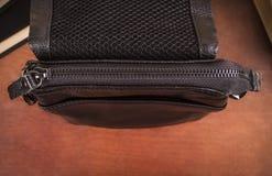 Tasche mit geschlossener Reißverschlussnahaufnahme Stockbilder