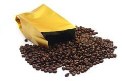 Tasche mit Kaffeebohne Stockbild