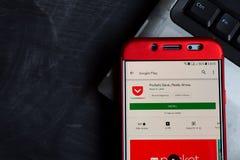 Tasche: Speichern Sie, gelesen, wachsen Sie Entwickler-APP auf Smartphone-Schirm stockfotos