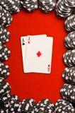 Taschen-Asse auf Rot-Filz Stockfoto