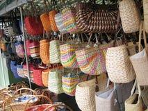 Taschen für Verkauf auf einem deutschen Markt Stockfoto
