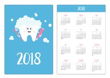 Taschenkalender 2018-jährig Woche beginnt Sonntag Zahn, der Zahnpastazahnbürste hält Lächelnder Charakter Ch der netten Karikatur Stockfotografie