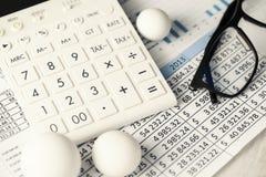 Taschenrechner-Diagramme, die Begriffsball-Zahlen runden Lizenzfreie Stockfotografie