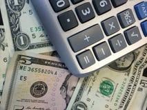 Taschenrechner und Bargeld II Stockbild
