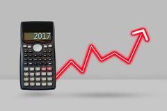 Taschenrechner- und Pfeilwachstum oben, Finanzplanungskonzept Lizenzfreie Stockfotos