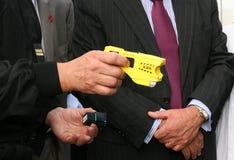 Taser Gewehrabbildung Stockfotos