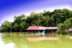 Tasik Kenyir, o lago sintético o maior Imagem de Stock