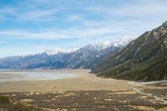 Горный вид от следа прогулки долины Tasman, Aoraki, Новой Зеландии стоковые фотографии rf