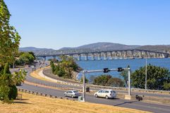 Tasman huvudvägbro - Hobart royaltyfria bilder