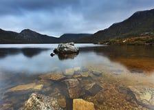 Tasmanien dök den genomskinliga stenuppsättningen Fotografering för Bildbyråer