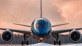 Tassazione di Boeing 787-9 Dreamliner Japan Airlines Immagine Stock