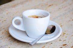 Tasse blanche d'expresso Photos stock