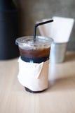Tasse d'americano glacé de café noir Photo stock