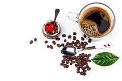 Tasse d'expresso sur le fond blanc Tasse d'americano de café Boisson chaude pour la santé Photographie stock