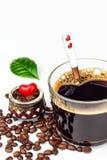 Tasse d'expresso sur le fond blanc Tasse d'americano de café Boisson chaude pour la santé Photographie stock libre de droits