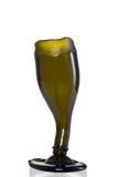 Tasse de bière faite de bouteilles photos libres de droits