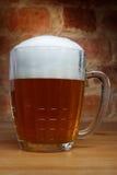 Tasse de bière soviétique russe. Images stock