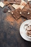 Tasse de cacao ou de café chaud de cappuccino ou de latte photographie stock