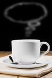 Tasse de café avec le courant de forme de bulle de la parole images libres de droits