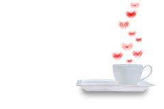 Tasse de café blanc avec le coeur formé par fumée Image libre de droits