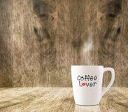 Tasse de café blanc chaude avec Photographie stock libre de droits