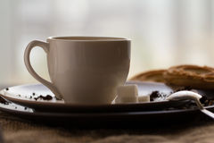 Tasse de café chaud d'expresso, et de biscuit Photo libre de droits