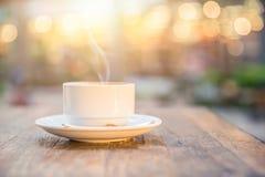 Tasse de café chaude de boissons de fumée Photos libres de droits