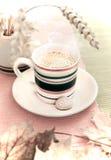 Tasse de café d'automne Image libre de droits
