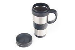 Tasse de café en métal, d'isolement sur le blanc photographie stock