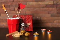 Tasse de café et de décor de Noël Photos stock