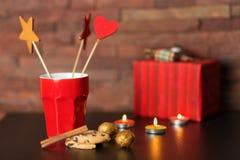 Tasse de café et de décor de Noël Photo libre de droits