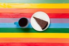 Tasse de café et de gâteau d'un plat Photo stock