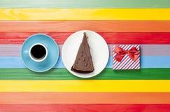 Tasse de café et de gâteau d'un plat Photographie stock libre de droits