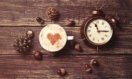 Tasse de café et de réveil Photographie stock