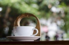 Tasse de café et gâteau crémeux image libre de droits