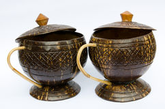 Tasse de café faite en coquille de noix de coco Image stock
