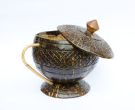 Tasse de café faite en coquille de noix de coco Photographie stock