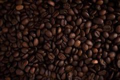 Tasse de café noir sur le fond en bois Photographie stock libre de droits