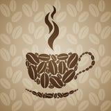 Tasse de café sur le fond sans couture avec des grains de café Photographie stock libre de droits