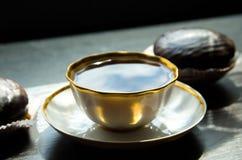Tasse de gâteaux de café et de chocolat Photos stock