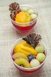 Tasse de gelée de fruit de variété Photographie stock