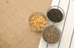 Tasse de graines de grain de céréale Photos libres de droits