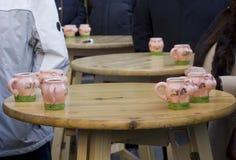 Tasse de porc distribuée à Vienne Photos stock