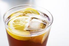 Tasse de soude ou de vermouth photos libres de droits